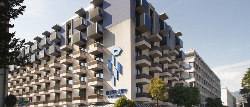 city-hotel-exterior.jpg